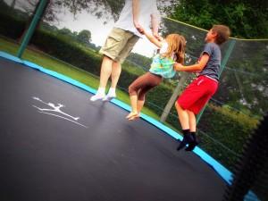 trampoline en famille