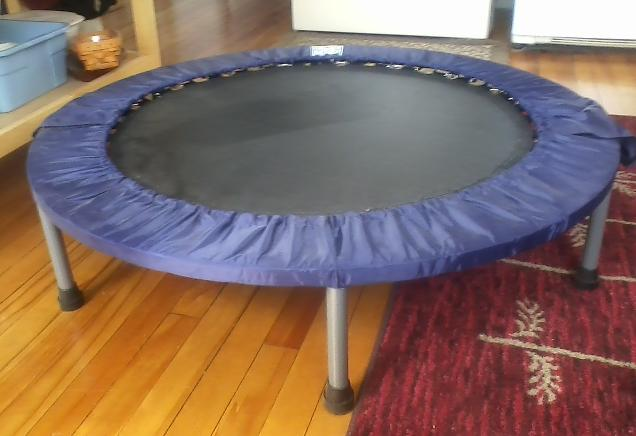 guide des meilleurs trampolines d int rieur indoor. Black Bedroom Furniture Sets. Home Design Ideas